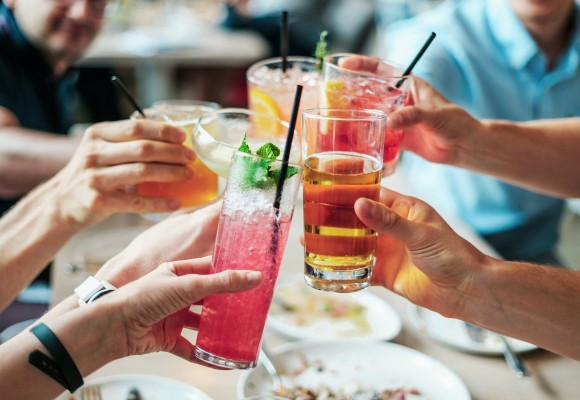 5 zasad savoir-vivre'u, które mogą zaskoczyć